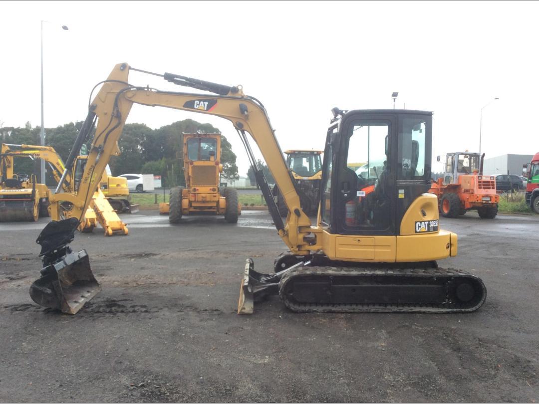 Photo '9' of Caterpillar 305.5E CR Midi Excavator