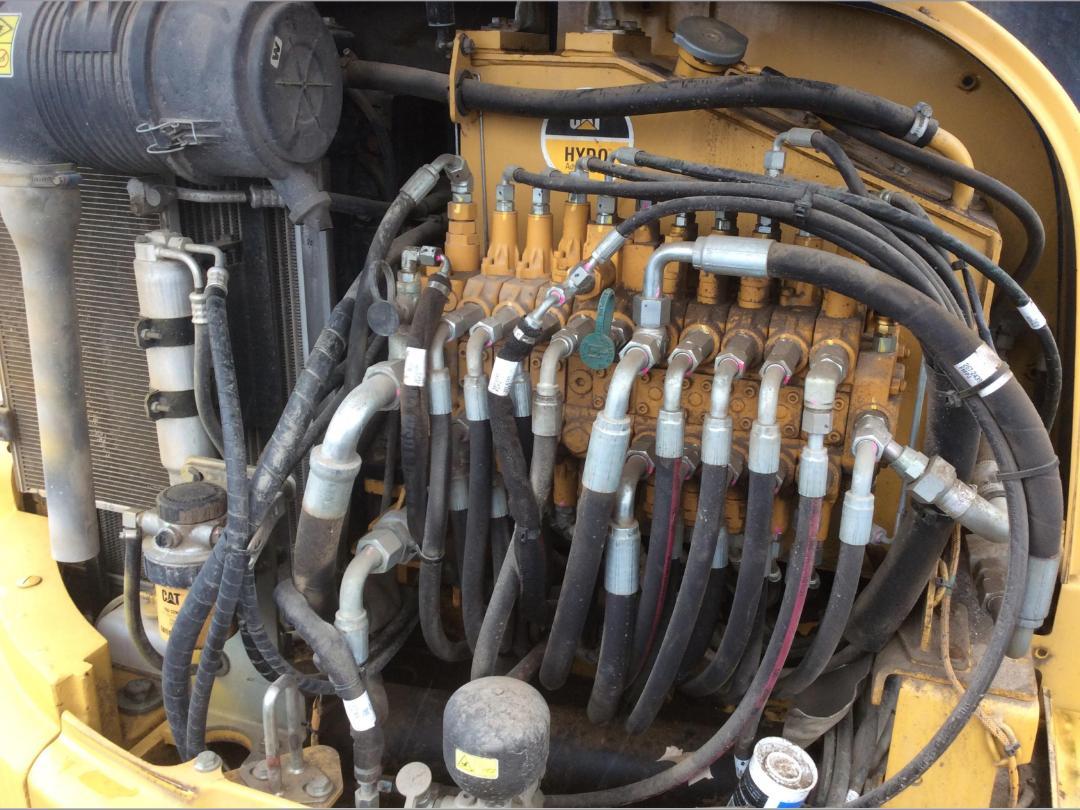 Photo '28' of Caterpillar 305.5E CR Midi Excavator