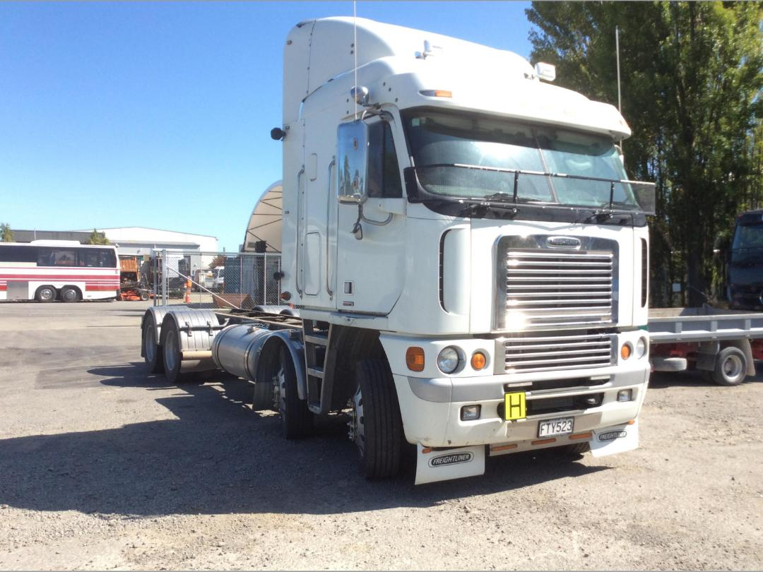 Photo '1' of Freightliner Argosy TSB Cab Chassis