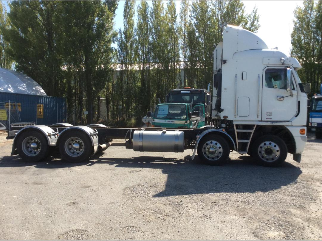Photo '2' of Freightliner Argosy TSB Cab Chassis