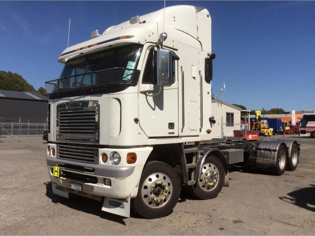 Photo '8' of Freightliner Argosy TSB Cab Chassis