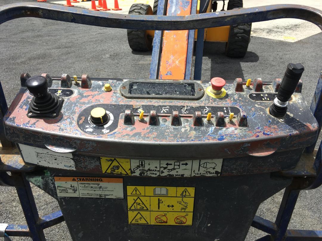 Photo '7' of Jlg 600SJ BOOM LIFT Scissor Lift