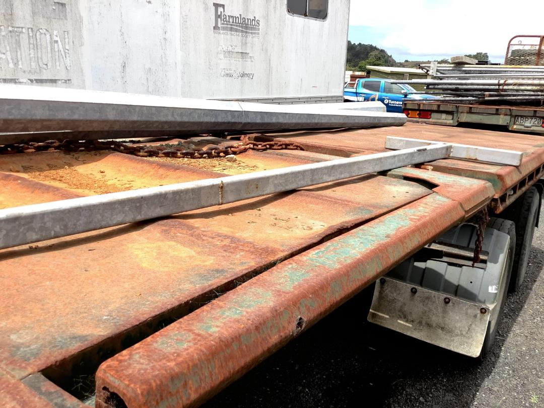 Photo '9' of Kraft 586 Flat Deck Trailer