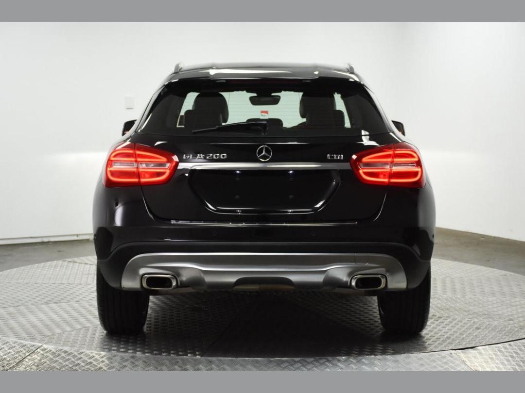 Photo '8' of Mercedes-Benz GLA200