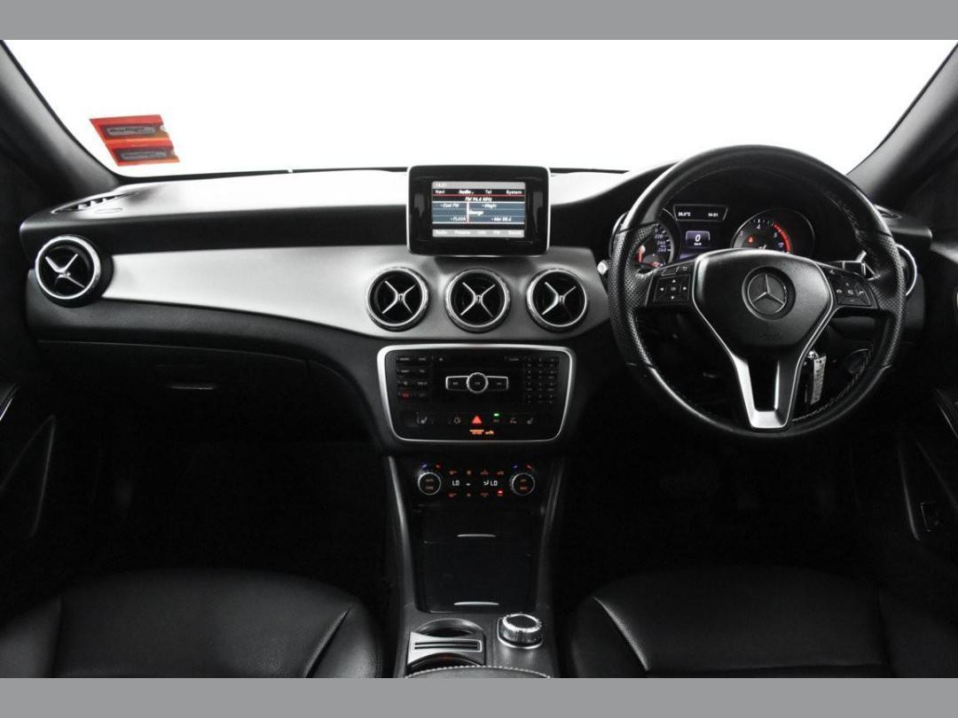 Photo '12' of Mercedes-Benz GLA200