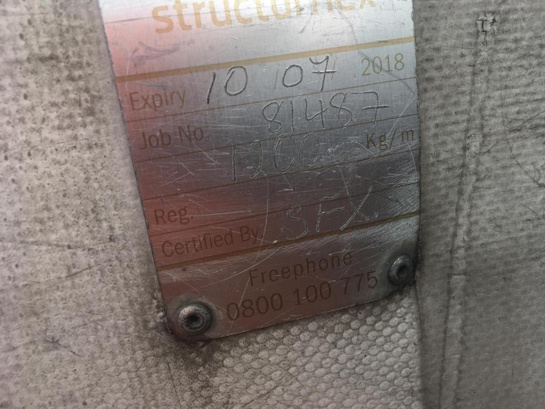 Photo '20' of Mitsubishi Fighter FK190K2 Curtainsider