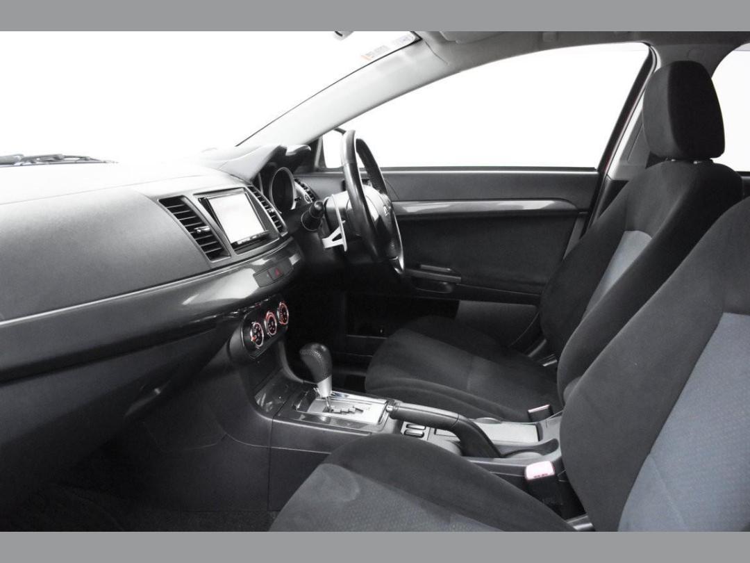 Photo '8' of Mitsubishi Galant Fortis Sport