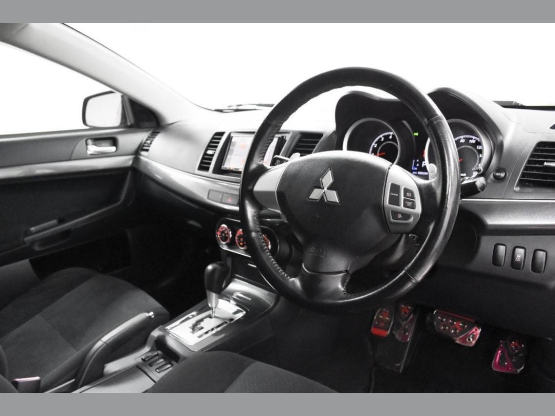 Photo '11' of Mitsubishi Galant Fortis Sport