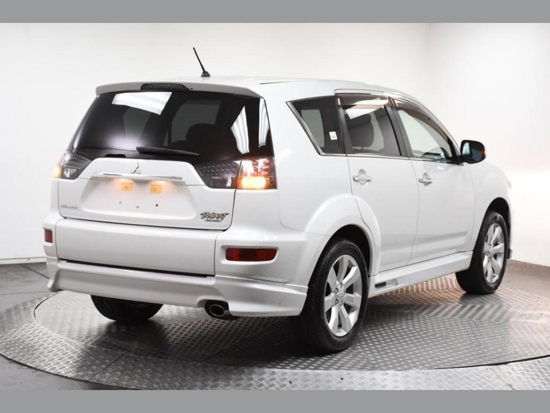 Photo '5' of Mitsubishi Outlander Roadest 20MS 7-Seater 2WD