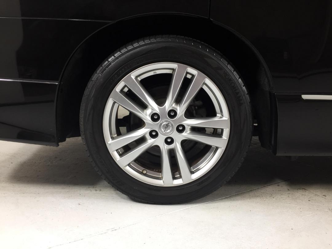 Photo '12' of Nissan Elgrand 2WD