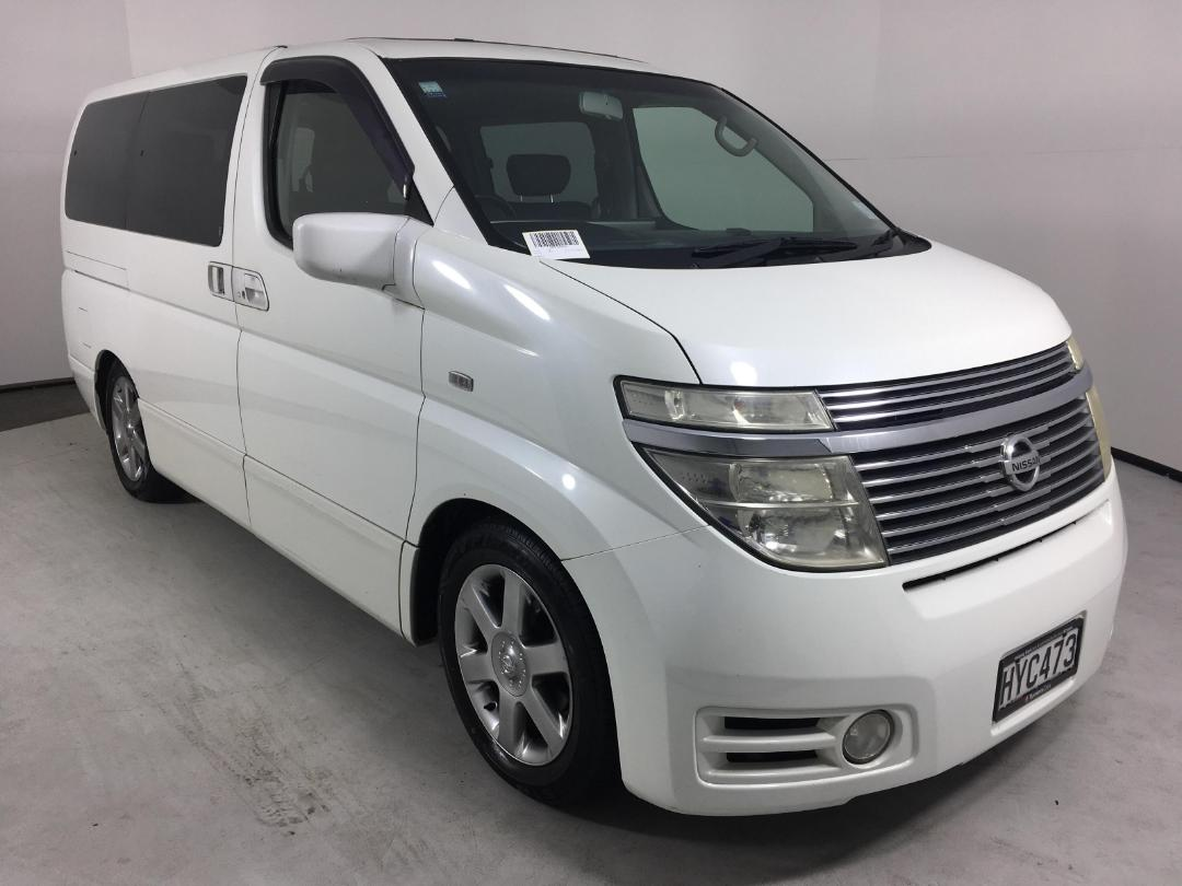 Photo '1' of Nissan Elgrand 2WD