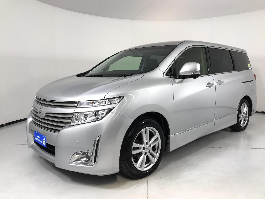 Photo '4' of Nissan Elgrand 4WD