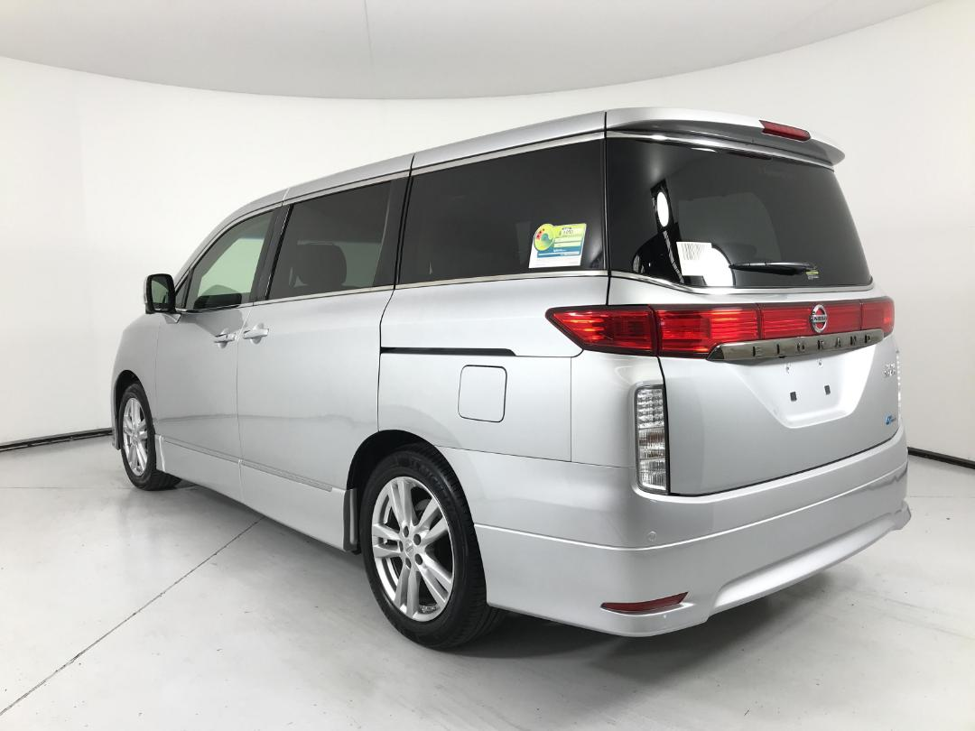 Photo '5' of Nissan Elgrand 4WD