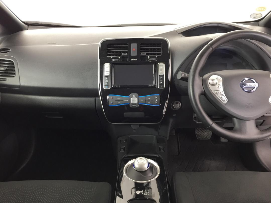 Photo '17' of Nissan Leaf