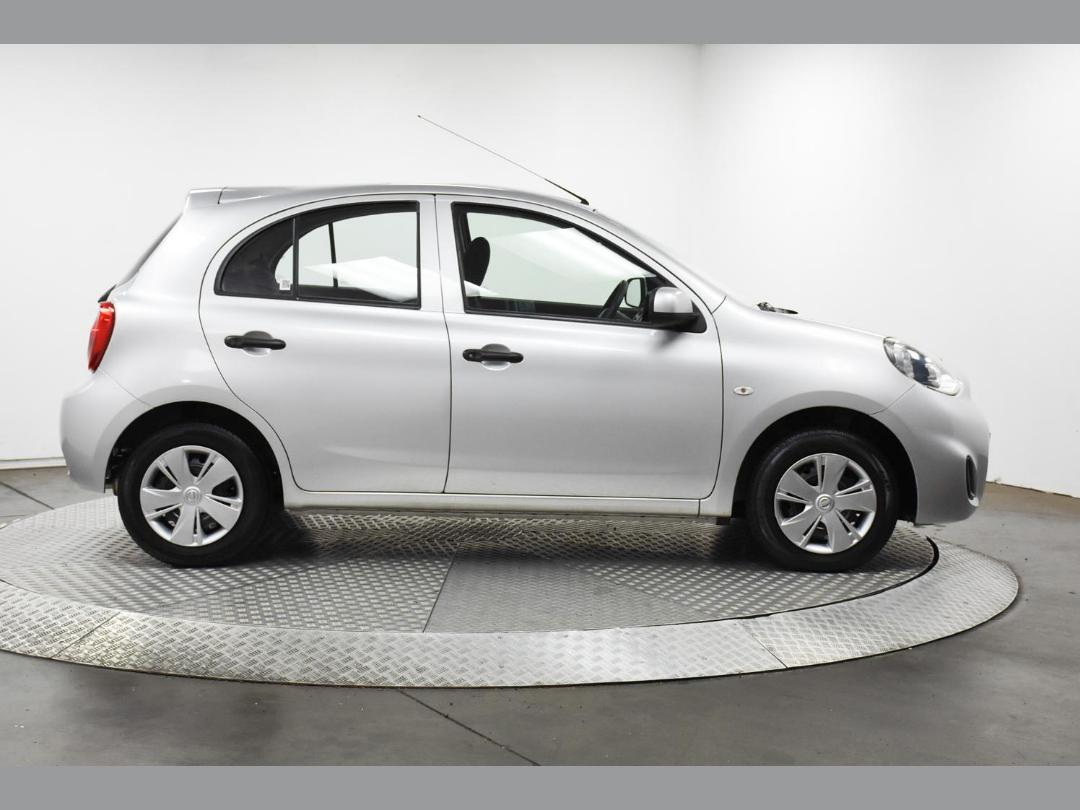Photo '5' of Nissan March