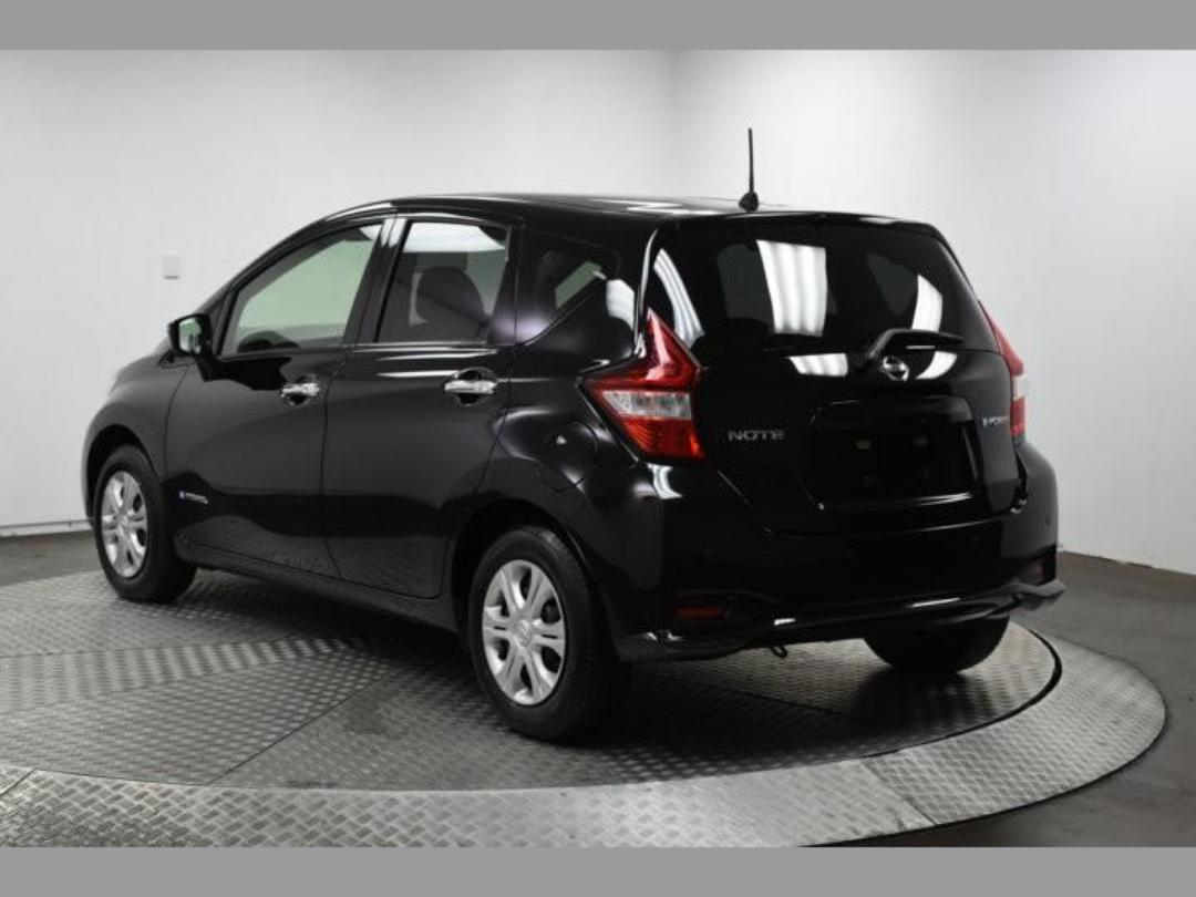 Photo '8' of Nissan Note X Hybrid