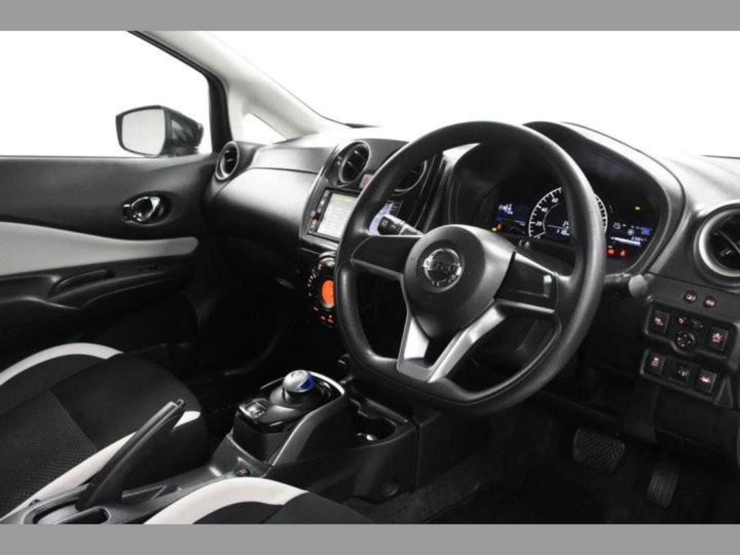 Photo '12' of Nissan Note X Hybrid
