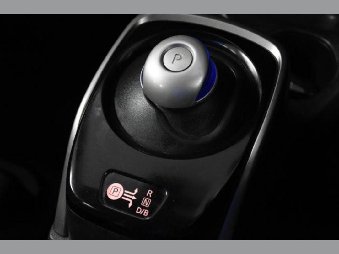 Photo '16' of Nissan Note X Hybrid