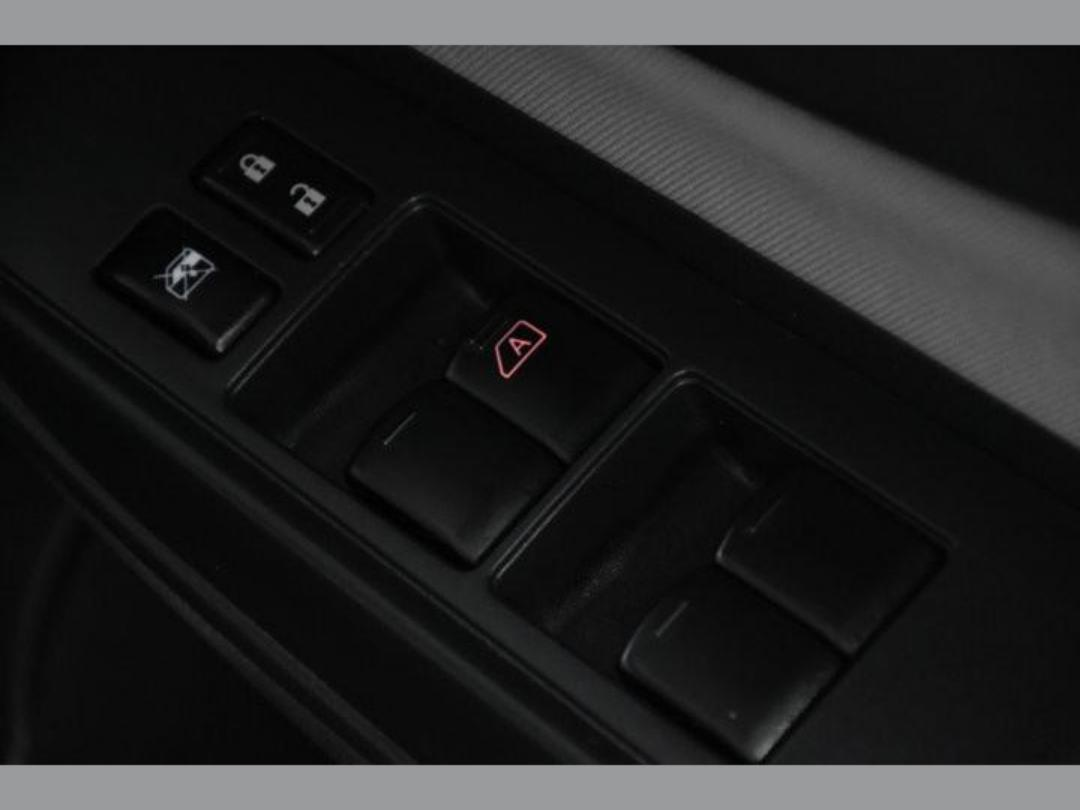 Photo '17' of Nissan Note X Hybrid