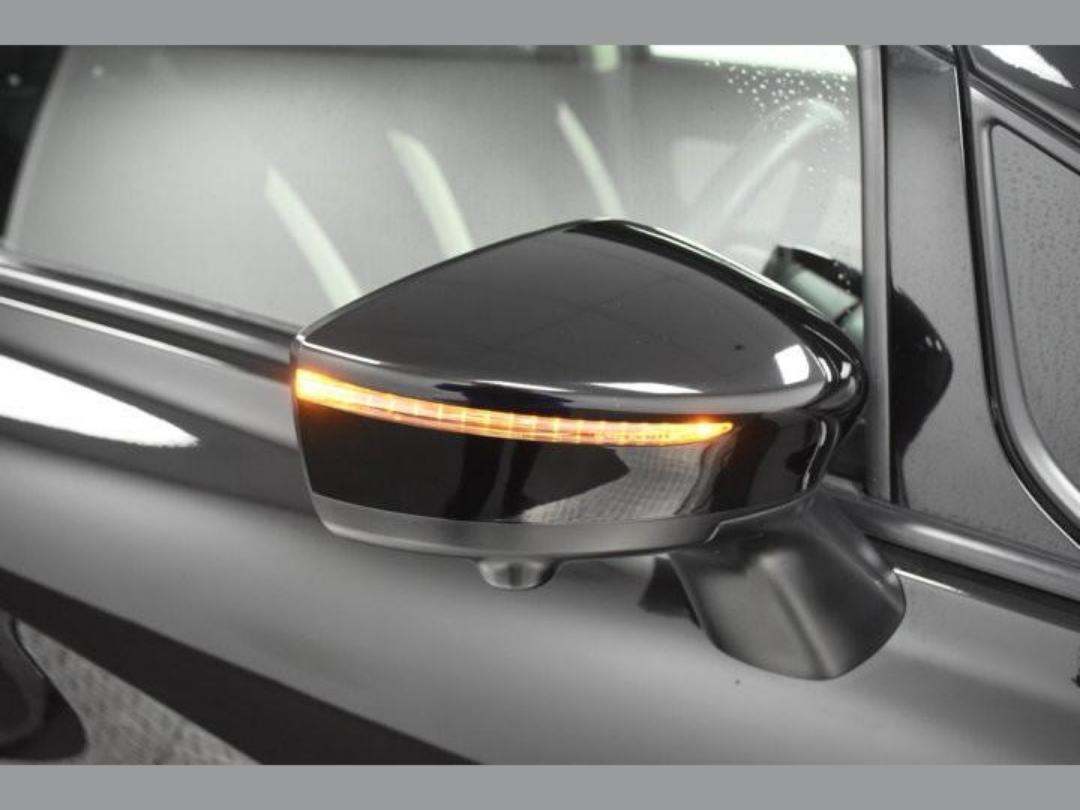 Photo '20' of Nissan Note X Hybrid