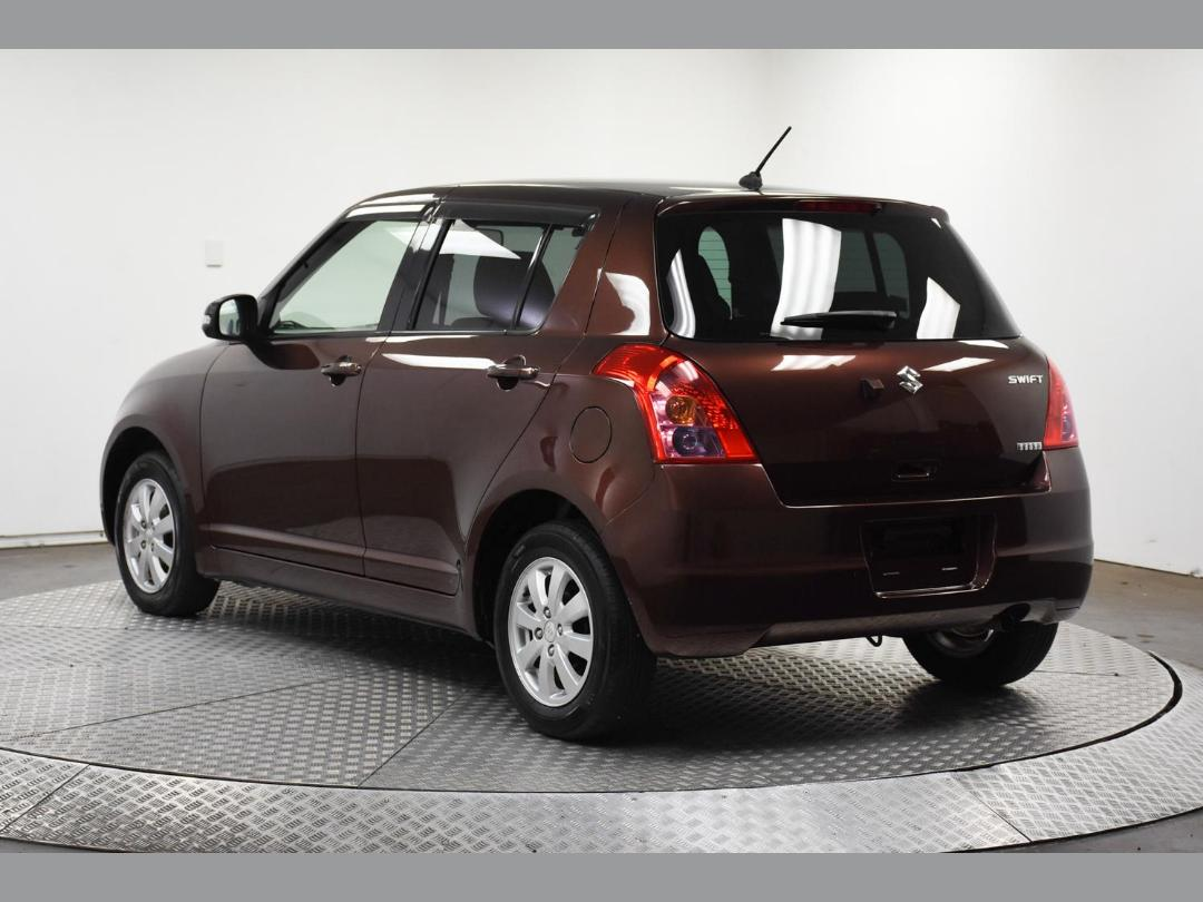 Photo '8' of Suzuki Swift