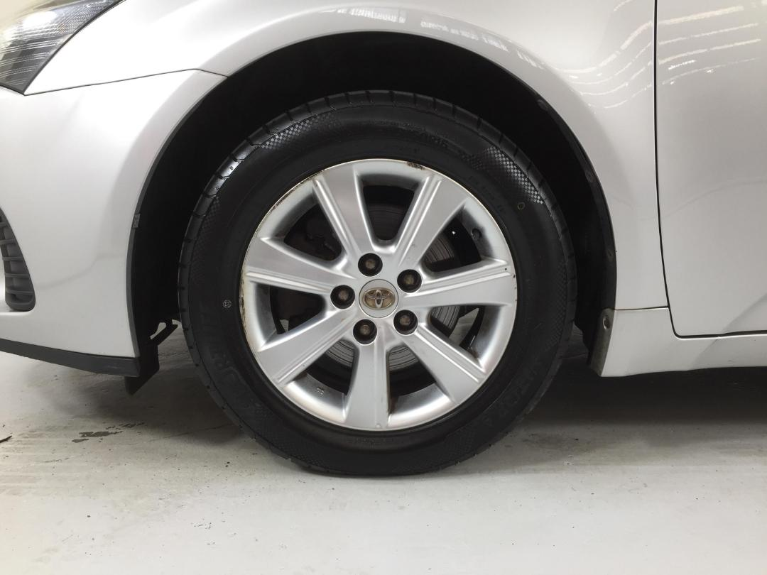Photo '10' of Toyota Avensis