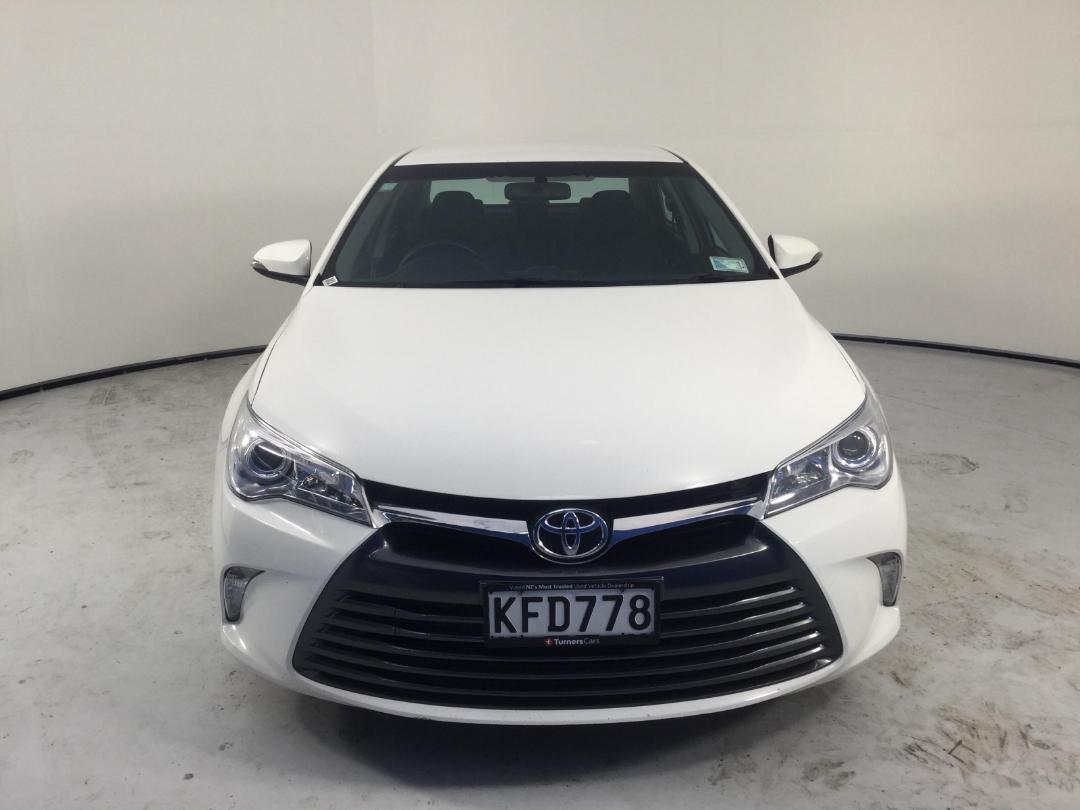 Photo '2' of Toyota Camry GL