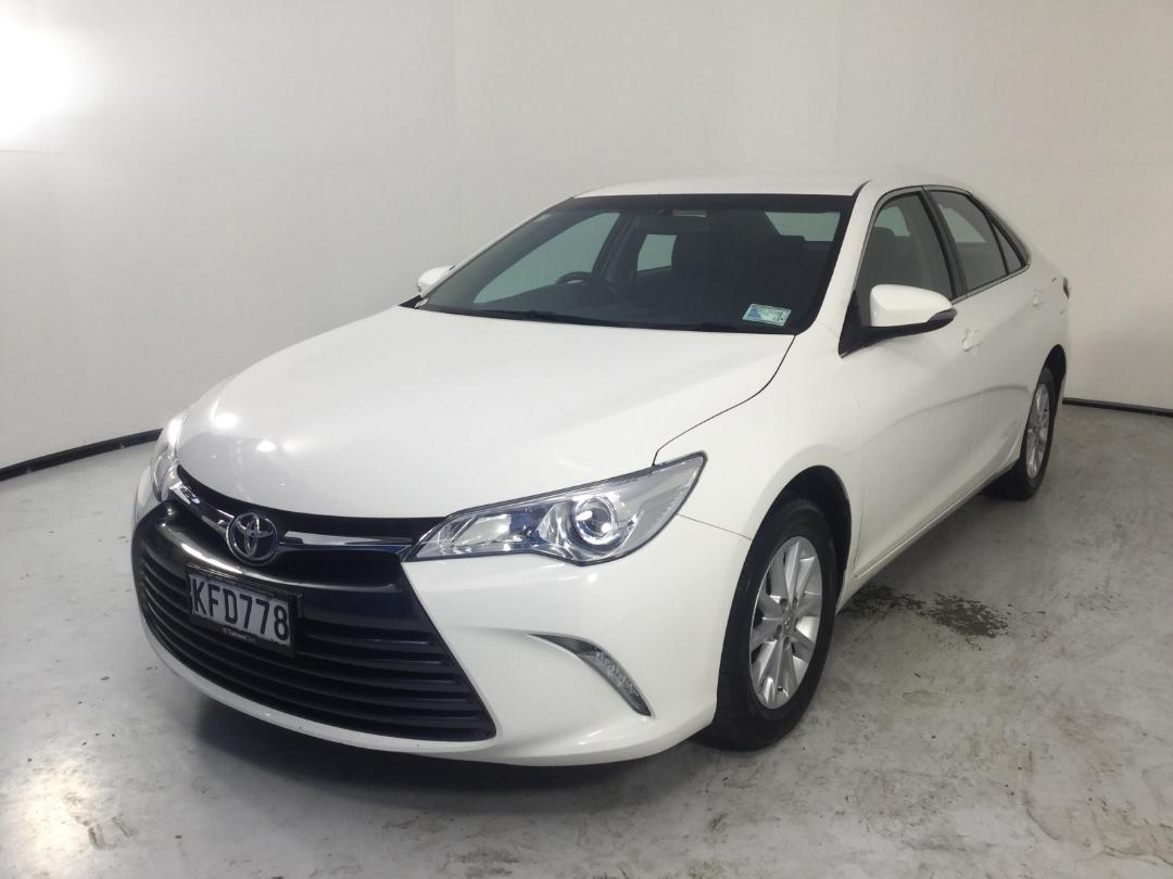Photo '4' of Toyota Camry GL