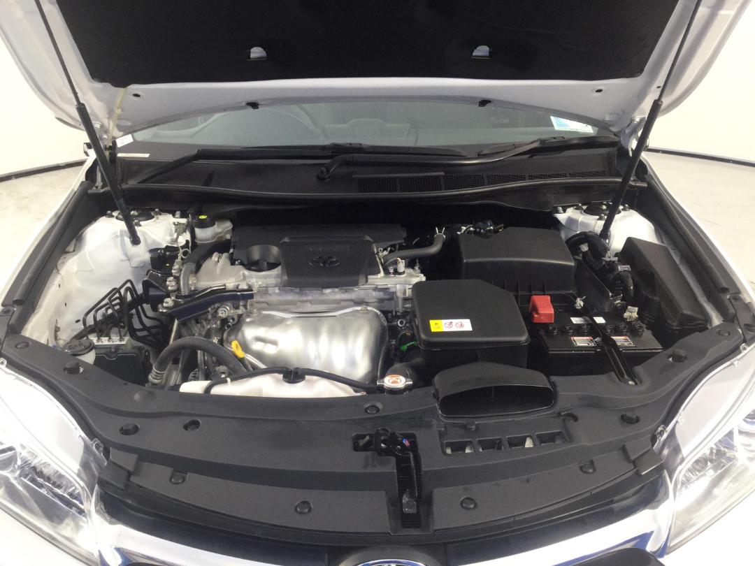 Photo '13' of Toyota Camry GL