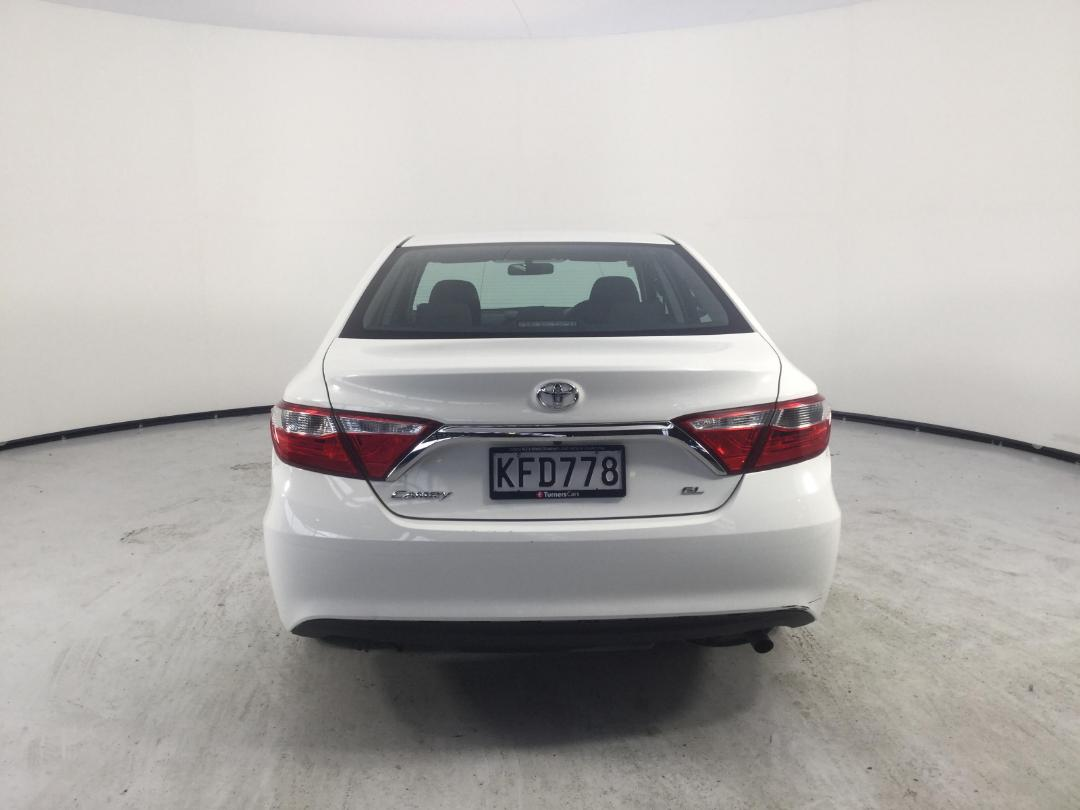 Photo '7' of Toyota Camry GL