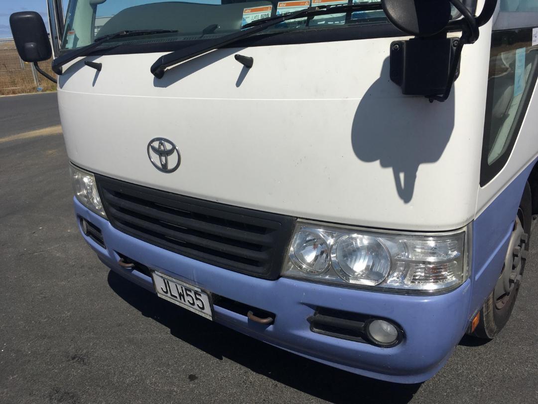 Photo '11' of Toyota Coaster Bus