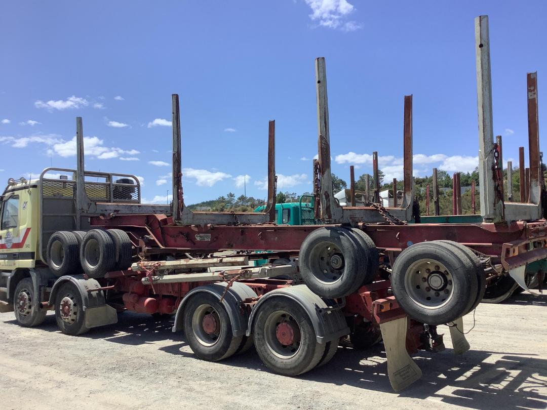 Photo '2' of Trailer Aliarc MH4 Logger Trailer