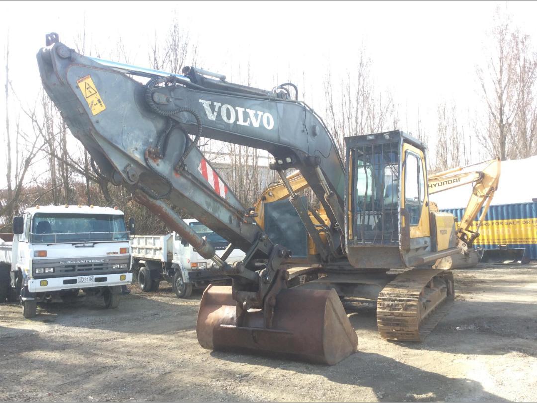 Photo '4' of Volvo EC240BL Excavator