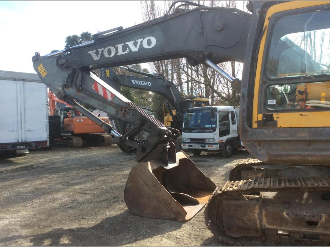 Photo '5' of Volvo EC240BL Excavator