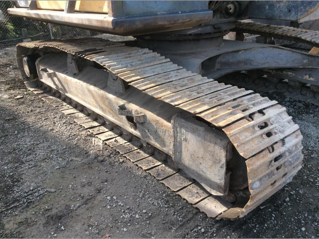 Photo '18' of Volvo EC240BL Excavator