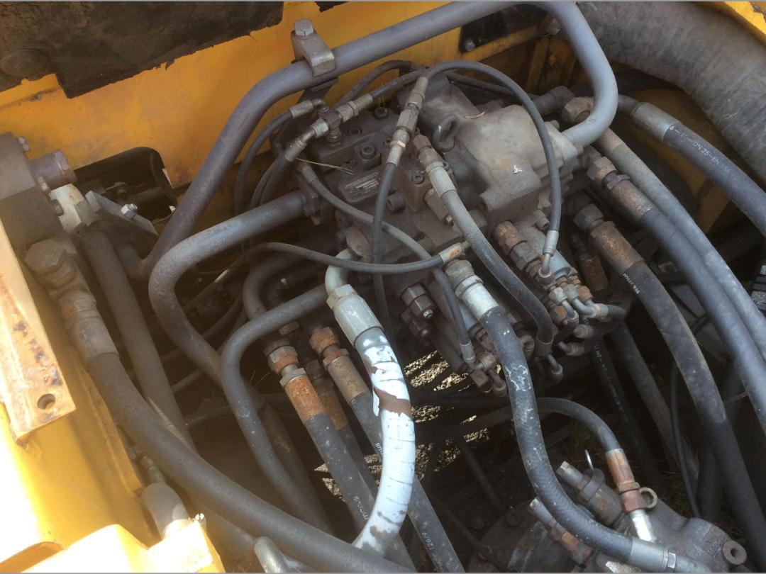 Photo '27' of Volvo EC240BL Excavator